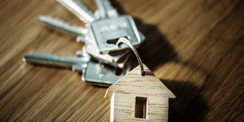 keys on a house shaped keychain